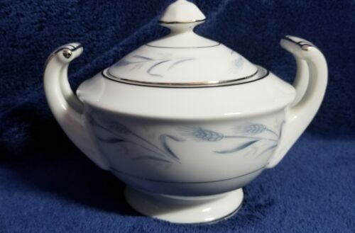 Harmony House Fine China DIANA Pattern Sugar Bowl w/ Lid Excellent Condition