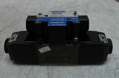 Vickers Directional Control Valve Dg4v-3-7c-m... New Warranty