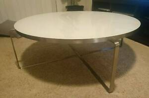 Round glossy white coffee Table