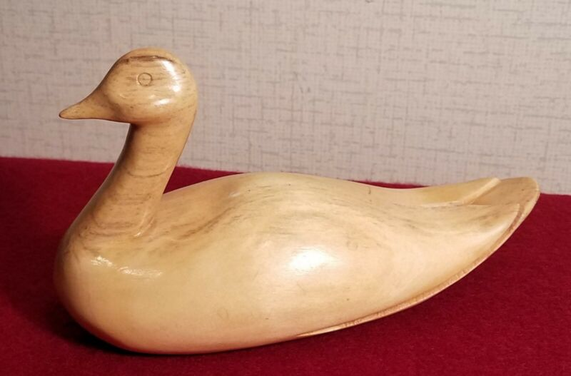Carved wooden duck, signed by Glen Long, Cherokee carver