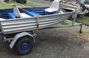 Tinny 10ft with 3hp outboard motor and trailer Tea Gardens Great Lakes Area Preview