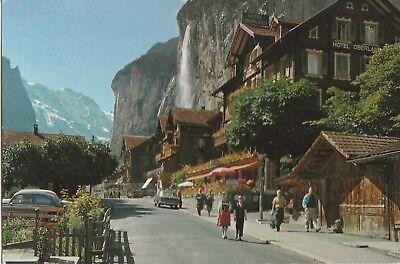 AK Lauterbrunnen. Dorfpartie mit Staubbach, Grosshorn