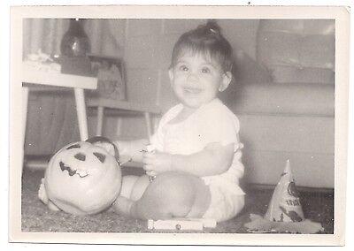 Vintage Photo Baby Girl with Jack O Lantern Candy Halloween JOL 5 X 7](Halloween Candy Photos)