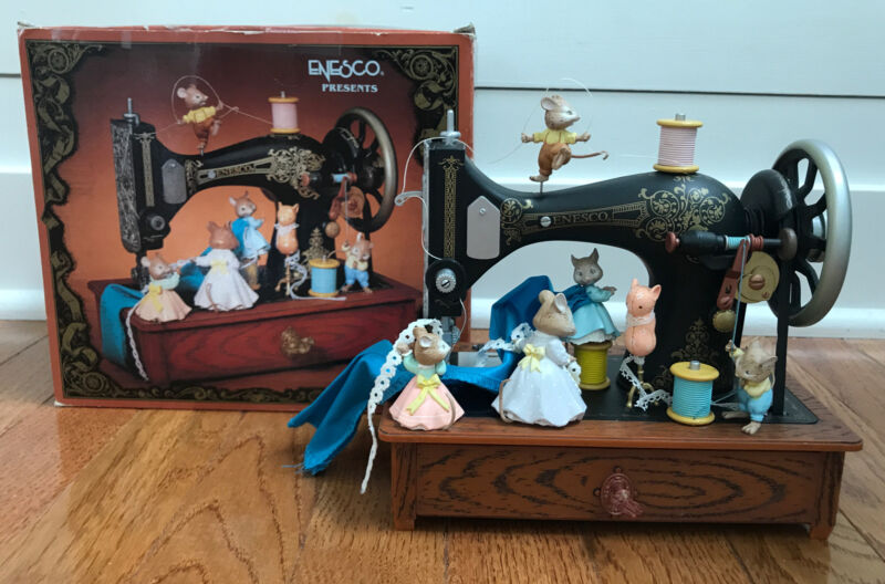 "Enesco ""Sew Petite"" Multi-Action Musical Old-Fashioned Sewing Machine Music 1989"