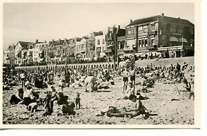 Zeebad-Vlissingen-People-on-Beach-Holland-RPPC-Dutch-Real-Photo-Vintage-Postcard