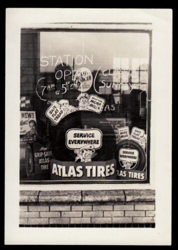 ATLAS TIRES CARTOON MAN CAR SERVICE STATION WINDOW DISPLAY ~1930s VINTAGE PHOTO