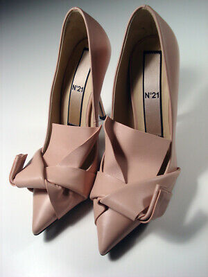 NIB**No21 abstract bow stiletto pumps**size 37*NUDE**leather**Italy**$720