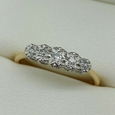 Vintage Diamond 5 Stone in 18ct Gold and Platinum. Ring size N 1/2.