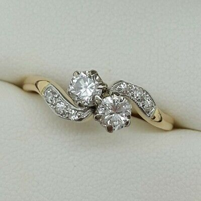 Vintage Diamond 2 Stone Twist in 18ct Gold. Ring size P.