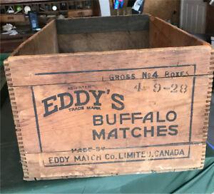 Superbe boîte de bois antique
