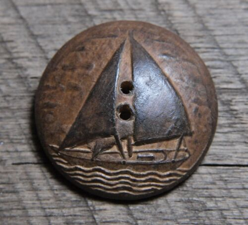 """LARGE VINTAGE PRESSED WOOD BUTTON SAILBOAT ON WATER 1&5/16"""""""