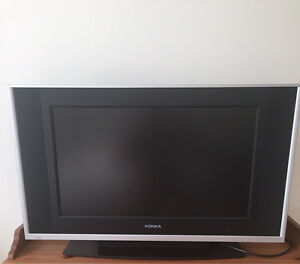 Flat Screen LCD TV  Moving Sale Works Perfect