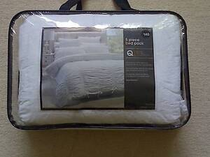 Queen Size Bed Set Eastwood Ryde Area Preview