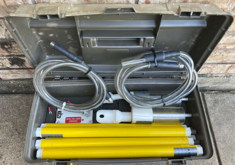 STB Electrical Test Equip. AC Voltage Detector Model 25/35 With Accessories Case