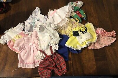 VINTAGE LOT OF SMALL DOLL CLOTHES!