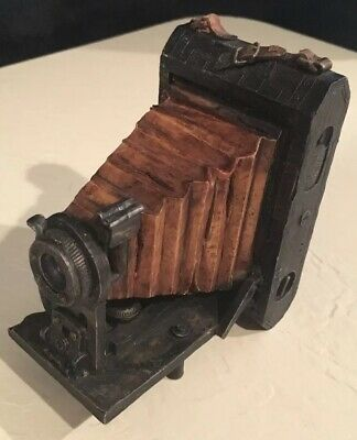 S.S.Sarna Resin Old Fashioned Camera • Paperweight