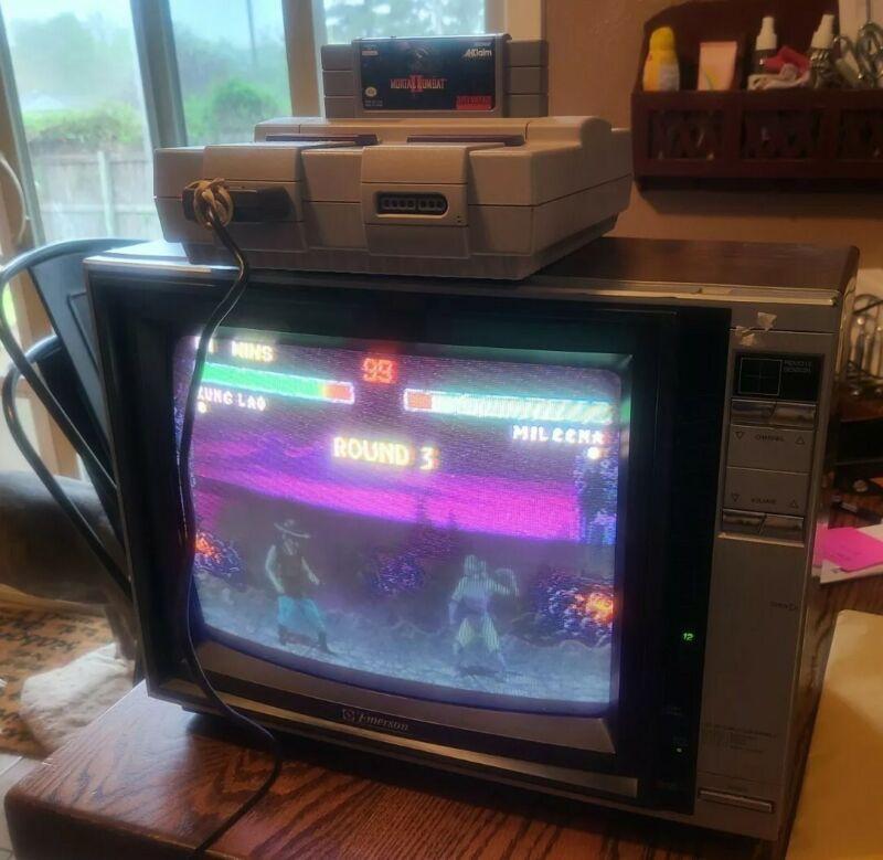 "Vintage Emerson ECR138 13"" Retro Gaming 80"