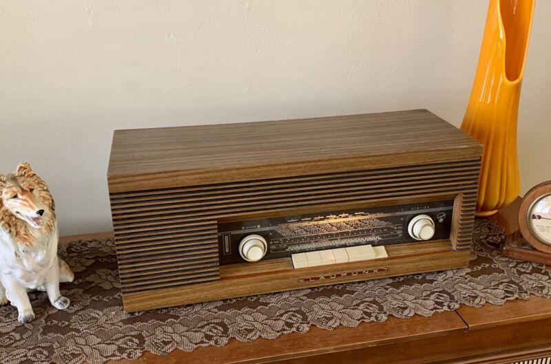Blaupunkt Paris Tabletop Tube Radio AM-FM-SW Type 7626320 Walnut Clean Working