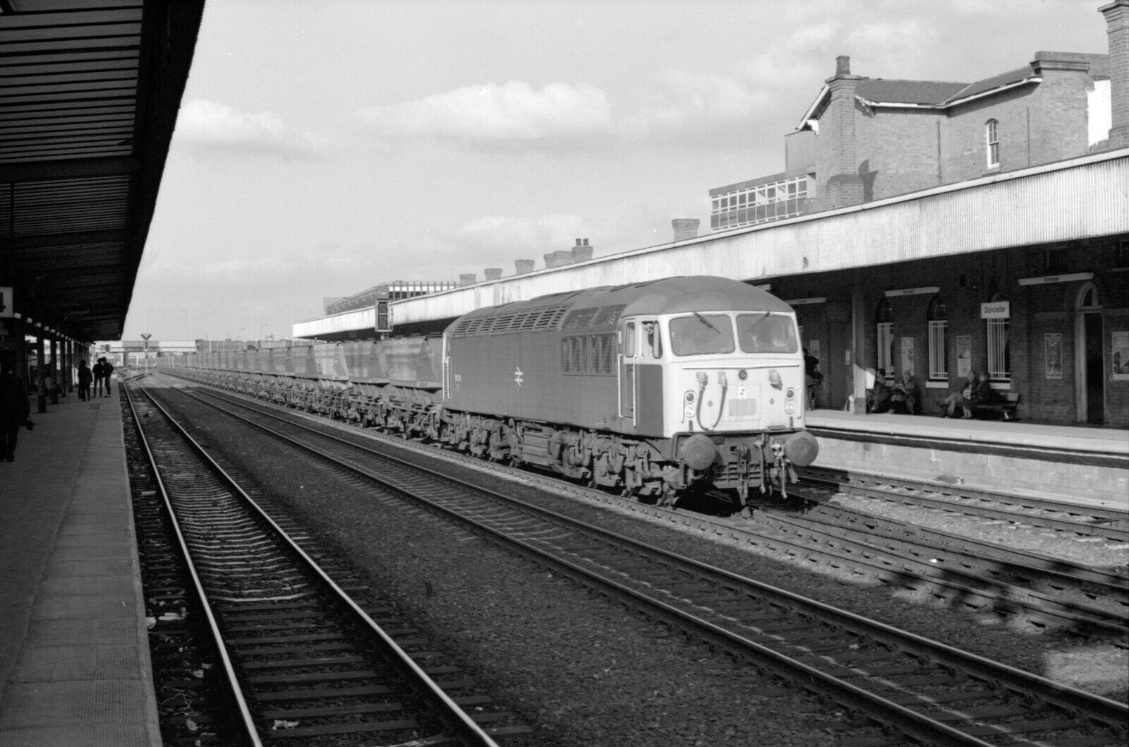 35mm raiway neg b/w 56028 doncaster 21/10/83 from scunthorpe direction