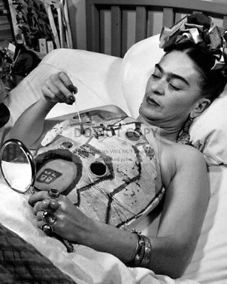 MEXICAN PAINTER FRIDA KAHLO PAINTING HER PLASTER CORSET - 8X10 PHOTO (BB-527)