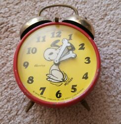 1970 vintage Snoopy Peanuts West Germany alarm wind up table dresser top clock
