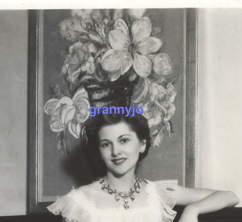 1939 ORIGINAL Joan Fontaine  RKO RADIO Photograph Fashion Service Photo