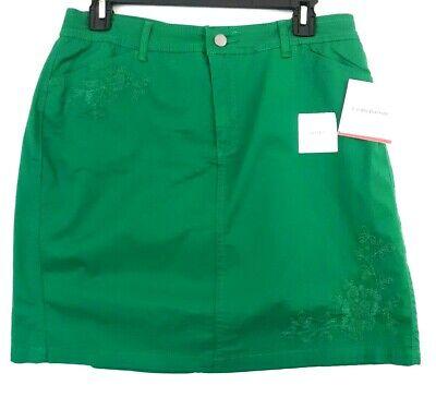 Twill-skort (NWT $38 Croft & Barrow Embroidered Green Twill Skort Womens SZ 8 Scooter Skirt)