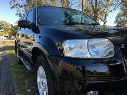 2006 FORD ESCAPE LIMITED 157K's BOOKS AUTO BLACK IMMACULATE