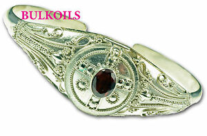 STERLING-SILVER-POISON-BRACELET-PILL-BOX-memorial-ASH-SILVER-AND-7MM-GARNET