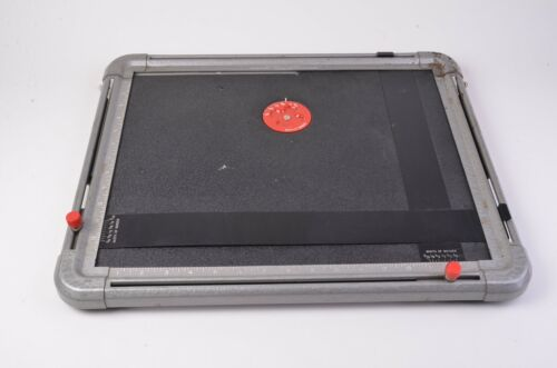 GOOD CONDITION AIREQUIPT DIALMASTER 11x14 2-BLADE DARKROOM PAPER EASEL
