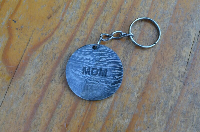 damascus christmas gift keyring for mom from the Eagle Collection ASM7876QW