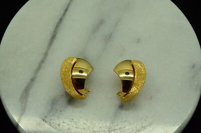 18K YELLOW GOLD SATIN & SMOOTH FINISH CURVED FLARED DESIGN OMEGABACK EARRINGS
