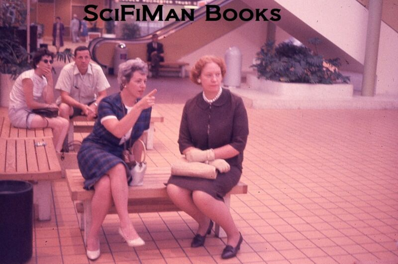 EKTACHROME 35mm Slide Pretty Sexy Women Handsome Man Fashion Escalators 1962!!!