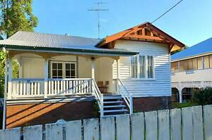 4 Bedroom House for Rent - DUTTON PARK, Furnished with free Wifi.