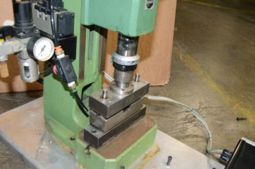 Schmidt Type 33 15 kn 3372 LBs Pneumatic Press 33-156-95 Press Control 50 Hub 40
