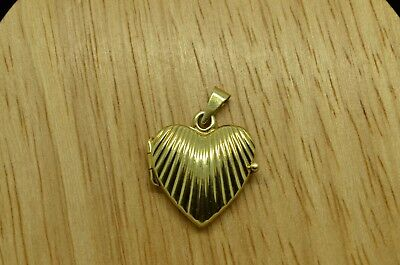 14K YELLOW GOLD FLUTED DESIGN HEART SHAPED LOCKET PENDANT CHARM 14k Gold Heart Shaped Locket
