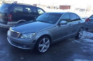 2009 Mercedes-Benz C230 4MATIC 128,000km **SUPER PROPRE**