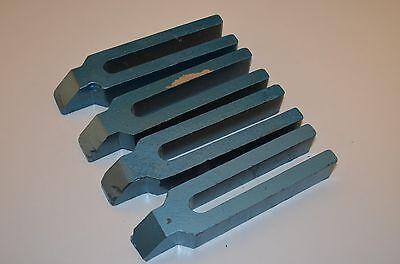 Gabelspannpratzen mit Nase,  Schlitzbreite 22mm,  4Stück,  RHV8305,