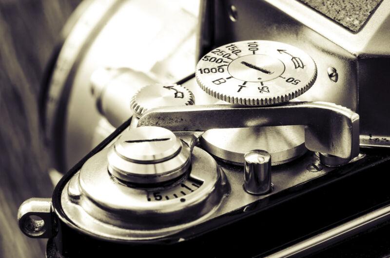 Um Retrokameras richtig zu bedienen, sind grundlegende Kenntnisse über die Fotografie von Vorteil. (Foto: Thinkstock)
