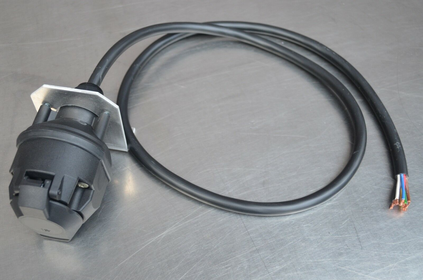 Spannungswandler Adapter Spannungsreduzierer Festeinbau Lkw 24V 12V Anhänger LED