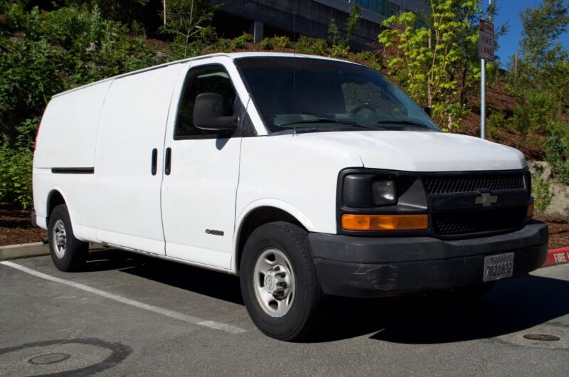 Fox Truck Mount Carpet Cleaning 2004 Chevy Express 3500 Van - Ready to Clean
