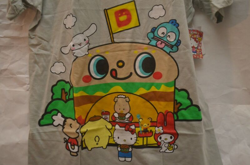 NEW Sanrio Hello Kitty Hamburger Stand Carnival Fair Double-Sided Graphic T-Shir
