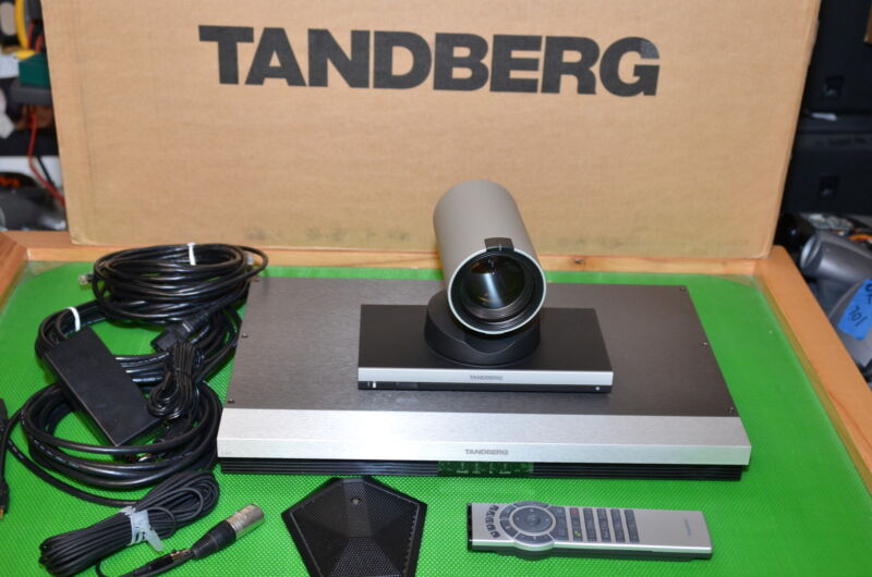 Tandberg Cisco C40 TTC6-11 TTC8-02 1080P 12XS HD Camera MS/NPP CTS-C40-K9