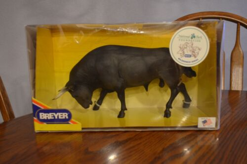 Breyer  #395 Dark Gray Spanish Fighting Bull 1993 NIB
