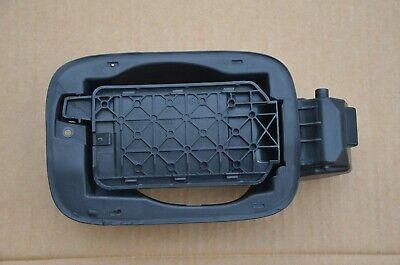 2012 2013 2014 2015 2016 AUDI S4 B8 B8.5 - GAS / FUEL FILLER DOOR BRACKET