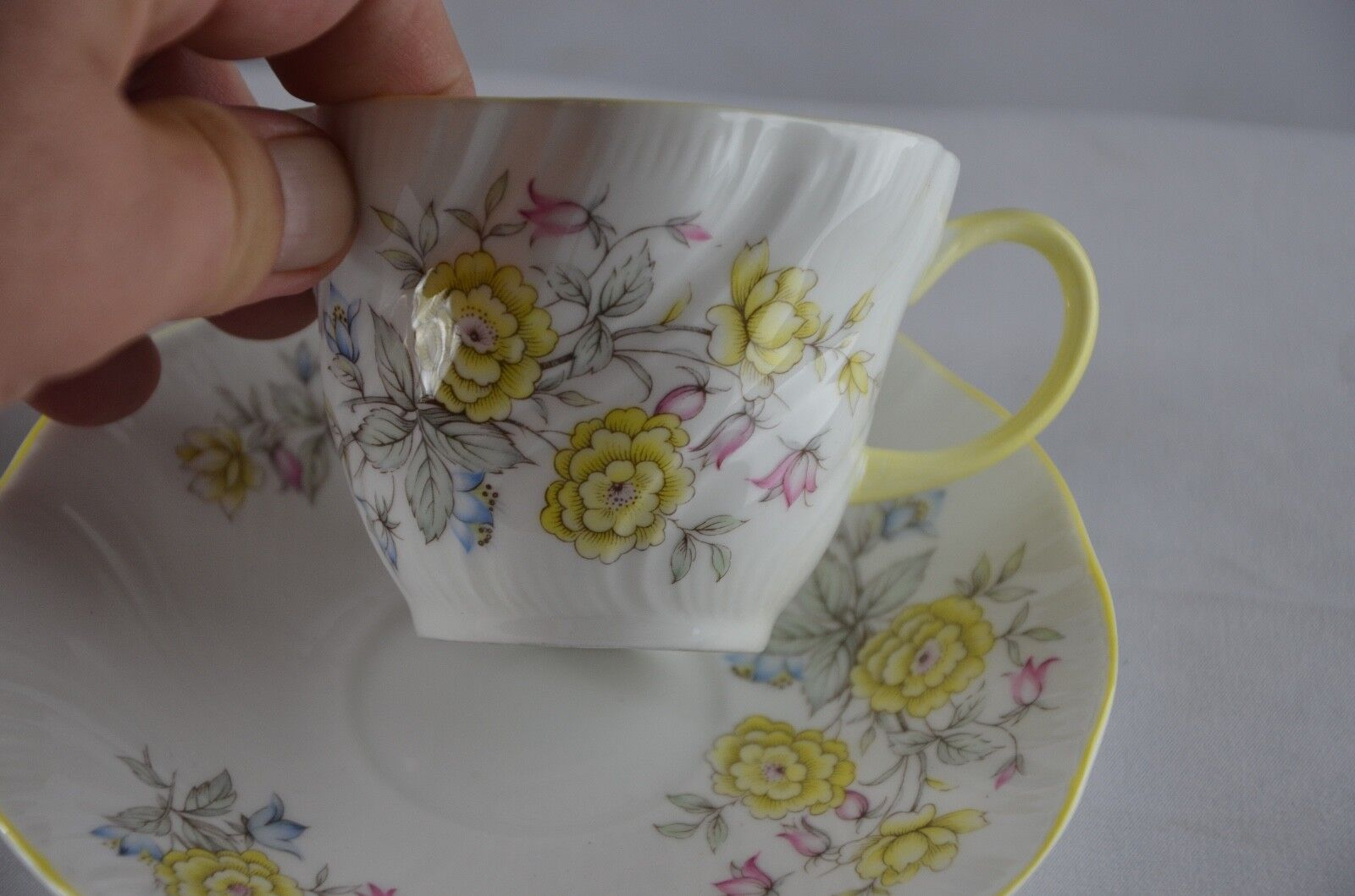 Tea Cup & Saucer Queen's fine bone china, Made in England, Rosina China Co Ltd