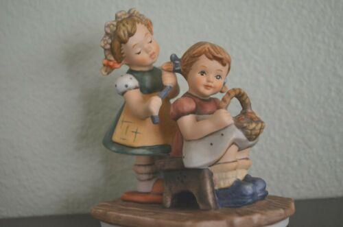 Goebel Sculpture Forever a Friend 1998