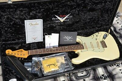 2009 Fender Custom Shop  Limited Edition 1964 Stratocaster Relic - Vintage White