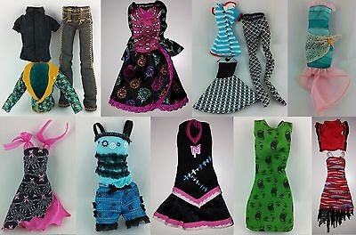 Monster High Fashion Shop 3 - Basic Outfits - Monster Outfits