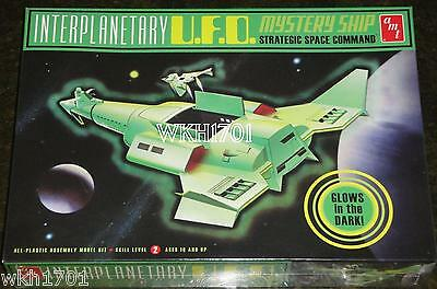 Star Trek INTERPLANETARY UFO Glow In Dark Mystery Ship Model Kit MISB + Hologram